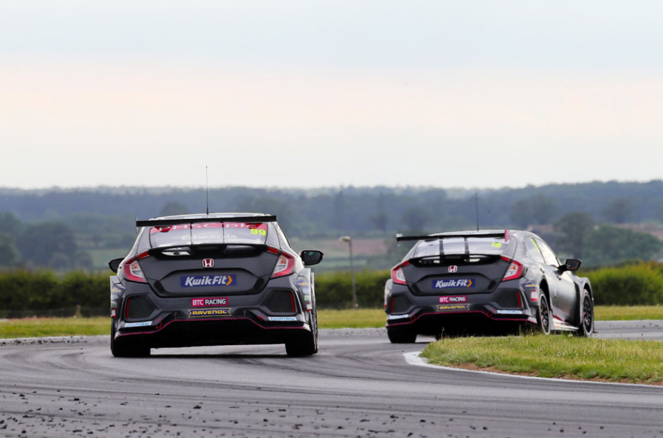 CHALLENGING QUALIFYING FOR BTC RACING AT SNETTERTON